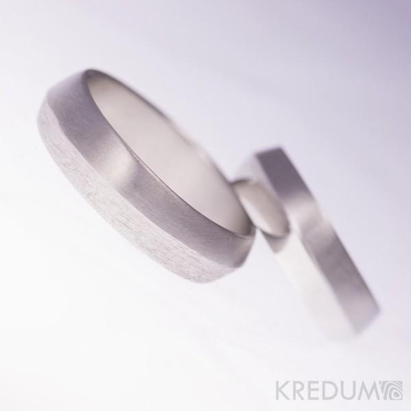 Design nerezový snubní prsten - Fici - mat/hrubý mat a lesk/mat