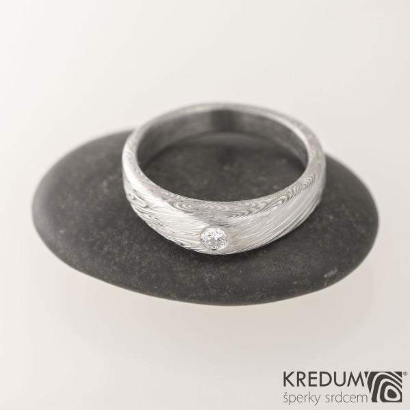 Kovaný prsten damasteel a diamant 2,70mm - Siona white - voda