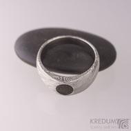 Siona a kámen naturál - Kovaný snubní prsten damasteel, struktura voda