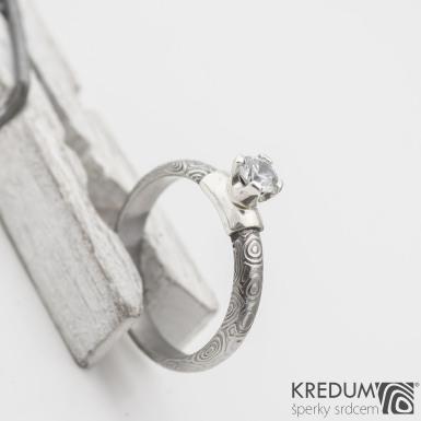 Prima Madame a broušený zirkon 4,8 mm ve stříbře, kolečka - Kovaný zásnubní prsten damasteel, produkt SK1119