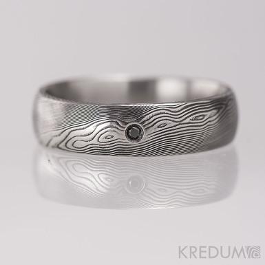 Prima damasteel a černý diamant 1,7 mm - vzor dřevo - kovaný snubní prsten z chirurgické oceli