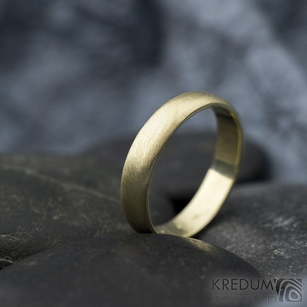 Golden klasik yellow - velikost 54, šířka 4 mm, tloušťka 1,3 mm, profil B - zlatý snubní prsten