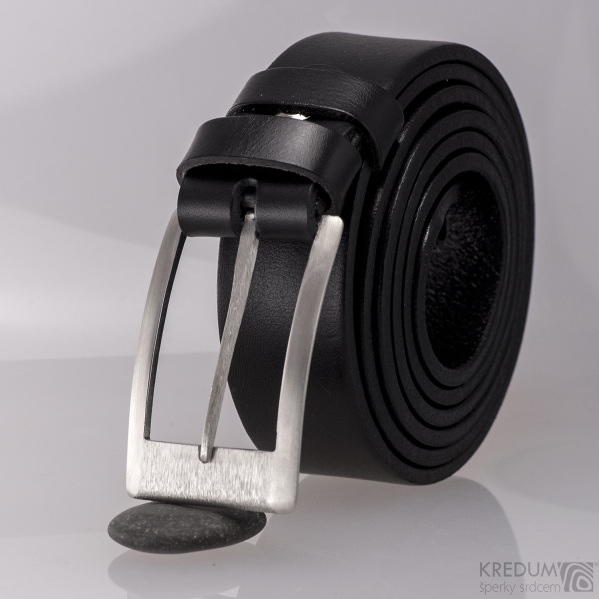 Kompletní opasek s kovanou nerezovou sponou - Partner 3 - Gird a černým páskem
