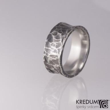 Rafael tmavý - Kovaný nerezový snubní prsten, S1848
