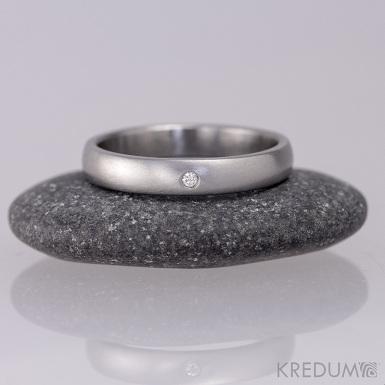 Klasik a diamant 1,5 mm, velikost 55, šířka 3,5 mm, tloušťka 1,5 mm, matný, profil B - Nerezový snubní prsten, S1434