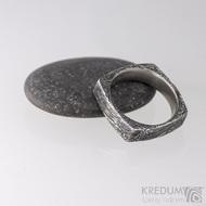 Kovaný prsten damasteel - Round square, voda - velikost 55