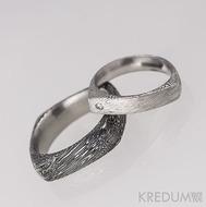 Kovaný prsten damasteel - Cleans s diamantem 1,7 mm - voda - ilustrační pánský Round squer