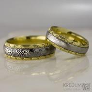 Zlaté snubní prsteny a damasteel - Kasiopea Engravius
