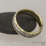 Zlaté snubní prsteny a damasteel - Kasiopea Engravius, vel. 63
