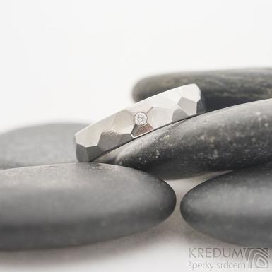 Skalák lesklý a čirý diamant 1,7 mm - velikost 53, šířka 4,5 mm, tloušťka 1,6 mm - Snubní prsten z nerezové oceli