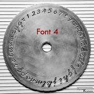 Rytí nápisů do prstenů podle šablony