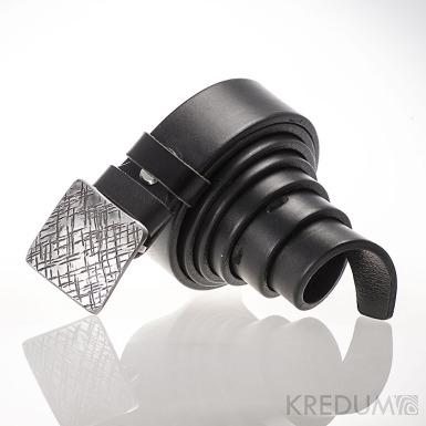 Opasek Kavalír 3X - Mřížka - Kovaná nerez spona a černý kožený pásek
