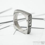 Round square, dřevo - Kovaný prsten damasteel, SK1354