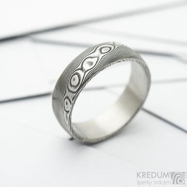 Prima dřevo, zatmavený - Kovaný snubní prsten z nerez oceli damasteel, velikost 60 - Sk3685