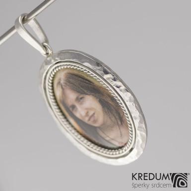 Stříbrný medailon - Oválek Silver, produkt č. 2070