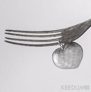 Kovaný přívěsek damasteel - Srdíčko - kolečka světlá