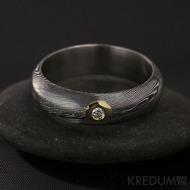 Zásnubní prsten damasteel Prima a diamant 2,3 mm ve zlatě, struktura dřevo, tmavý