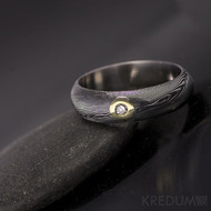 Zásnubní prsten damasteel Prima a diamant 2,3 mm ve zlatě, struktura dřevo, tmavý - velikost 59 / 5,5 mm