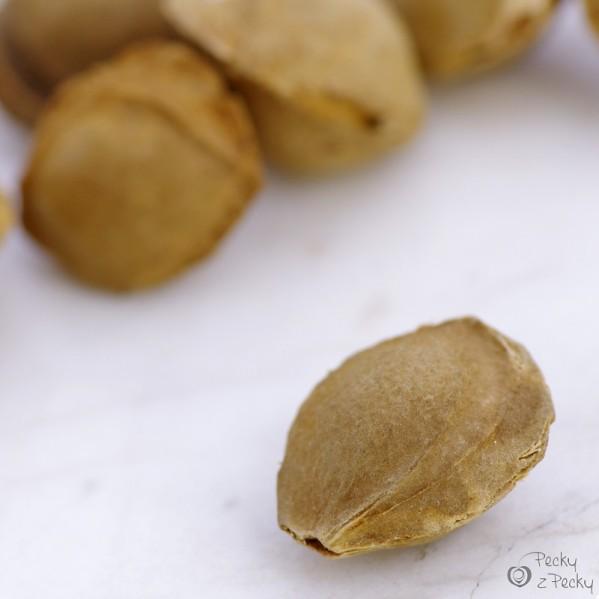 Meruňkové pecky - 100g