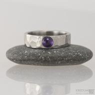 Kovaný snubní prsten - Draill a ametyst, vel. 50