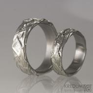 Motaný snubní prsten nerezový - Gordik - vyplněný stříbrem