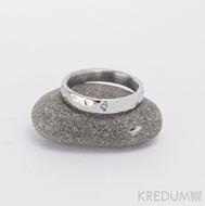 Prsten kovaná nerezová ocel - Draill + čirý diamant 1,5 mm - světlý, lesklý