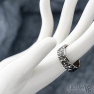 Archeos Glanc - Kovaný nerezový snubní prsten, SK1650