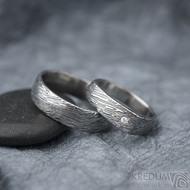 Kovaný prsten damasteel - Cleans s diamantem 1,7 mm - struktura voda, pánský prsten Prima