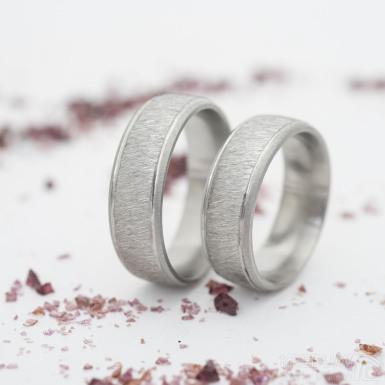 Cygnus steel hrubý mat - mat - velikost 53 a 59, šířka 6,5 mm - Broušené a kované snubní prsteny z oceli