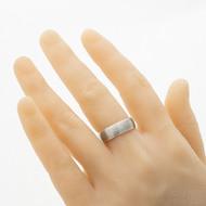 Cygnus titan hrubý mat - Snubní prsten červené zlato a titan, velikost 62, šířka celkem 6,8 mm - produkt SK2962 - na umělé ruce