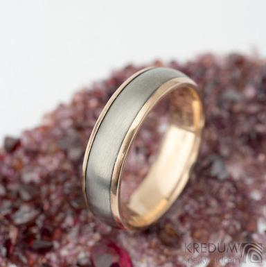 Cygnus titan red matný - vel 64, šířka 6 mm, tloušťka 1,8 mm, okraje 2x0,75 mm hladké - Titanové a zlaté snubní prsteny - k 1569
