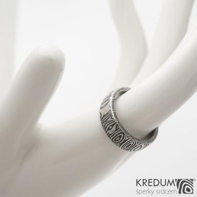 Prima kolečka - Kovaný snubní prsten z oceli damasteel, SK1287