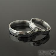 Draill a kabošon měsíční kámen - 53, š 5 mm, hlava pro kámen 2,2 mm, leskl a Draill - 69, š 5 mm, lesk - Kované prsteny - k 2189