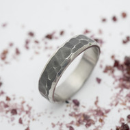 Draill line zatmavený - velikost 66, šířka 6 mm, tloušťka střední - Kovaný prsten z nerezové oceli - k 3200 (2)