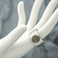 Draill matný a labradorit - velikost 56, šířka 12,2 mm, průměr kamene 89 mm, tloušťka 2,5 mm - Kovaný nerezový prten - sk1861 (2)