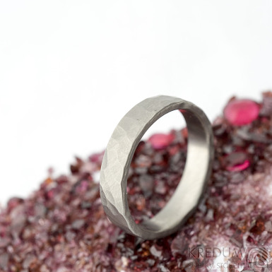 Draill titan matný - velikost 65, šířka 5,2 mm, tloušťka 1,7 mm - Kovaný prsten z titanu, SK2123 (4)