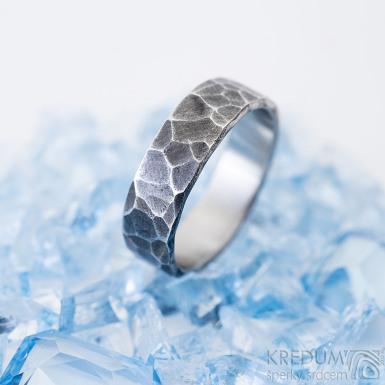 Draill tmavý - 55, šířka 5,6 mm, tloušťka 1,5 mm - Kovaný prsten z nerezové oceli, SK2460 (3)