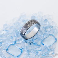 Draill tmavý - 55, šířka 5,6 mm, tloušťka 1,5 mm - Kovaný prsten z nerezové oceli, SK2460 (5)