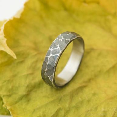 Draill tmavý - nerezový zásnubní nebo snubní prsten, velikost 56, šířka 5 mm, tloušťka cca 1,6 mm, profil C - produkt SK3134