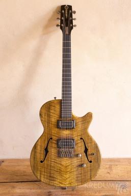 Zakázková kytara Fišer KREDUM