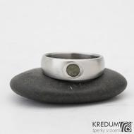 Eli stone - Nerezový prsten s vltavínem - vel 51, šíře hlava 6 mm do dlaně 4 mm, povrch mat -  k 0817