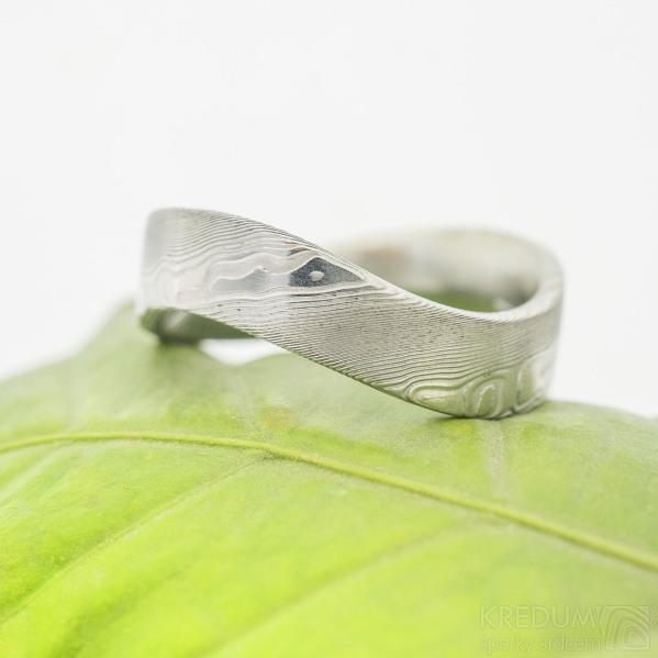 Forever - 66, šířka kovu 6 mm, vlna 9 mm, struktura dřevo 75% světlý lept, profil F - Damasteel kovaný prsten (2)