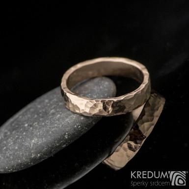 Golden Draill red - Zlaté snubní prsteny
