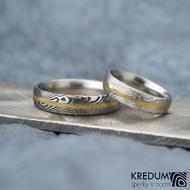 Golden line, dřevo - vel 50, šříka 4,5 mm, 75SV, D a vel 63, šířka 5 mm, 75TM, D - Damasteel prsteny se zlatou linkou