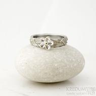 Gordik Flower Ag/Au - Motaný snubní prsten nerezový - stříbrná kytička a zlatý střed