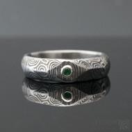 Grada a smaragd 2 mm do Ag - 54, š hlavy 5, do dlaně 4,5 mm, kolečka 75% TM, leptaná hlava - Zásnubní prsten damasteel, k 1007 (4)