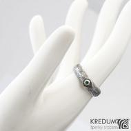Grada a smaragd 2 mm do Ag - 54, š hlavy 5, do dlaně 4,5 mm, kolečka 75% TM, leptaná hlava - Zásnubní prsten damasteel, k 1007 (3)