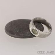 Greeneli - Kovaný a broušený zásnubní/snubní prsten, damasteel struktura dřevo - leptaná miska, lept 75%, světlý