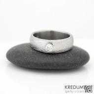 Siona + čirý diamant 2,7 mm - voda - Snubní prsten kovaná nerezová ocel damasteel