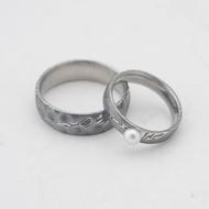 Kovaný prsten damasteel - Liena s pravou perlou - dřevo